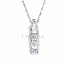 Подвеска из белого золота с бриллиантом